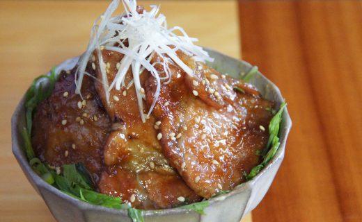 ローズポークの「梅酒八代」梅酒焼丼